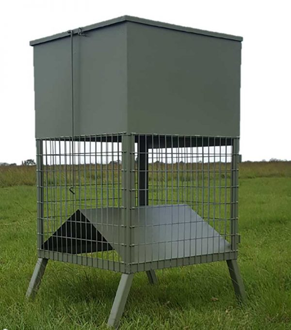 The lock open lid and easy clean out door make this feeder a winner.